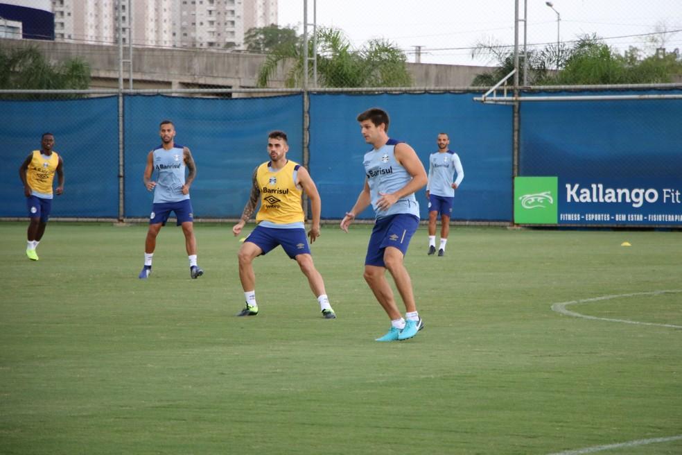 Kannemann pode estrear contra o Caxias — Foto: Beto Azambuja / GloboEsporte.com