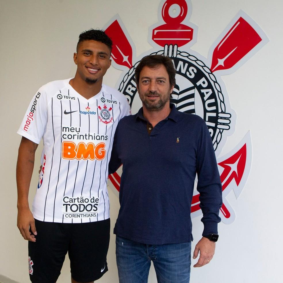 Éderson é apresentado no Corinthians — Foto: Daniel Augusto Jr/Ag. Corinthians