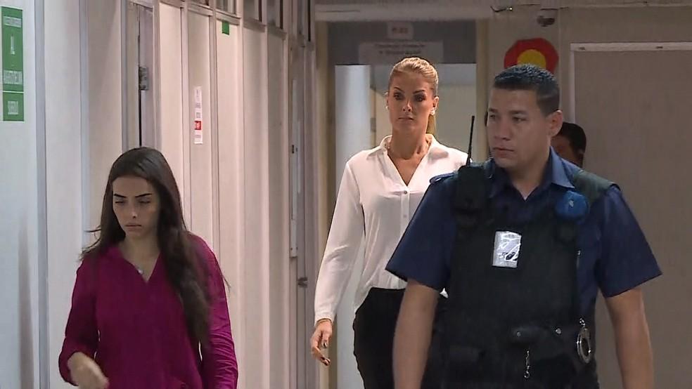 099e3262c4d60 ... Gustavo Corrêa Ana Hickmann é levada para audiência sobre processo em  que cunhado é réu  Gustavo Corrêa