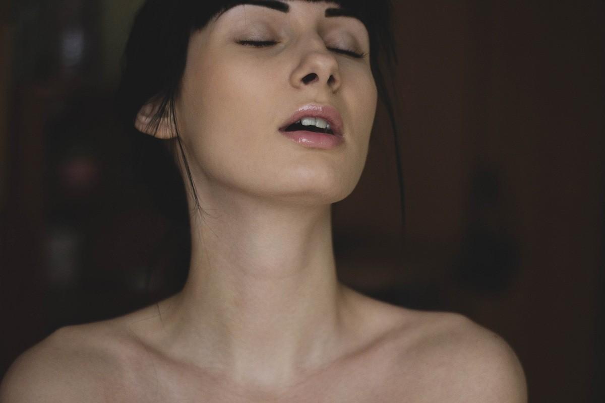 Como saber se você atingiu o orgasmo? (Foto: Pexels/ Valeria Boltneva)