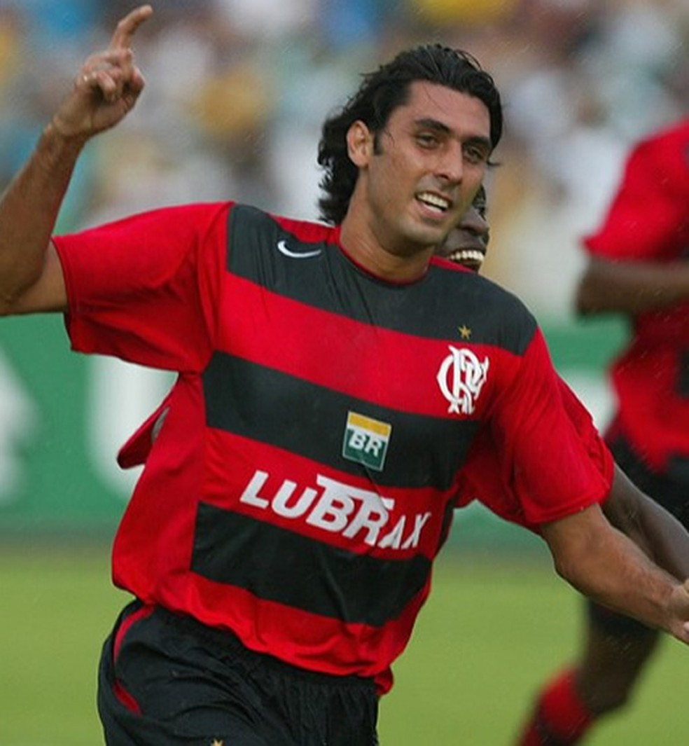 Athirson, ex-lateral do Flamengo, será técnico do Goytacaz no Carioca — Foto: Diário de São Paulo