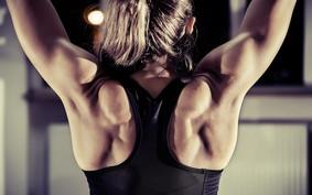 Quatro exercícios para treino de ombro em casa
