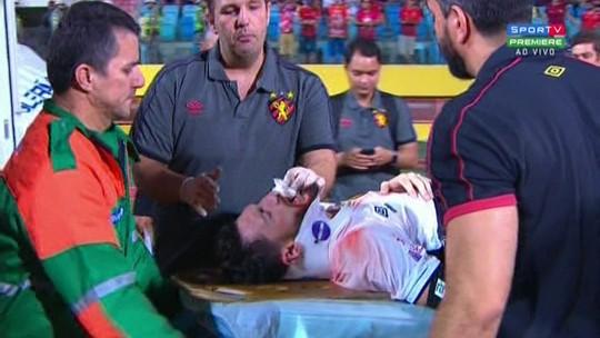 Após contusão feia, lateral do Sport volta ao Recife e consegue ver nascimento dos filhos
