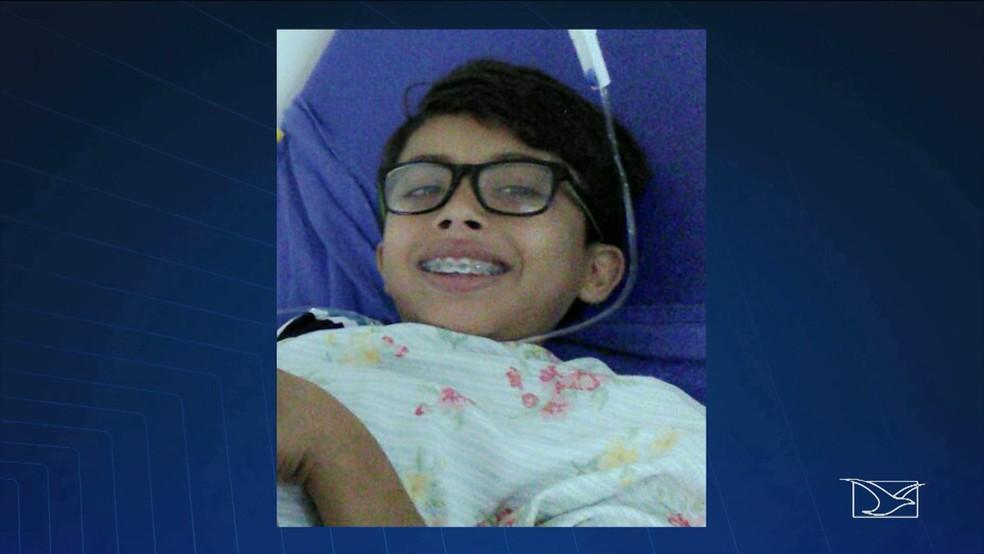 Adriel Oliveira Lima morreu após sofrer um acidente quando ia para a escola em um caminhão pau de arara (Foto: Reprodução/TV Mirante)
