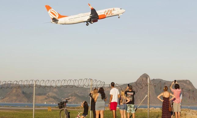 Avião decola no Santos Dumont