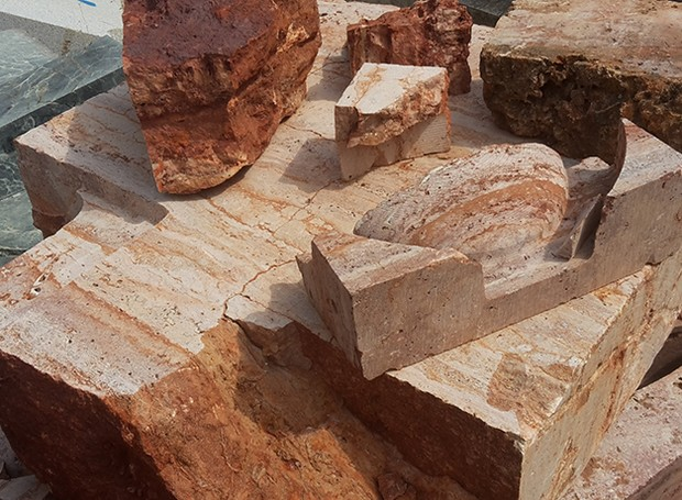Artista cria castiçais a partir de rochas milenares (Foto: Sanna Völker/Reprodução)