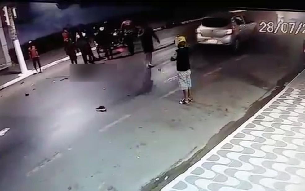 Motociclista morreu em acidente no cruzamento da Avenida Couto Magalhães com a Rua Fenelon Müller (Foto: Guarda Municipal de Várzea Grande/Divulgação)