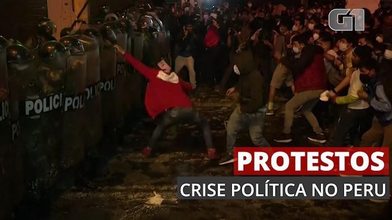 Manifestantes e polícia entram em confronto no Peru