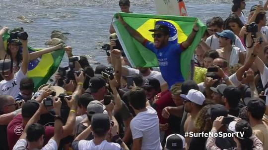 Filipinho dá show, bate Jordy Smith na final e completa dobradinha em Trestles