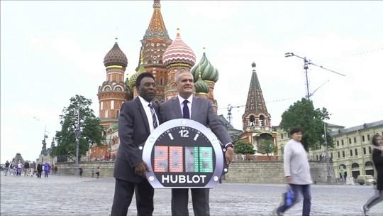 Pelé abre contagem regressiva para Copa e diz torcer por final com Rússia