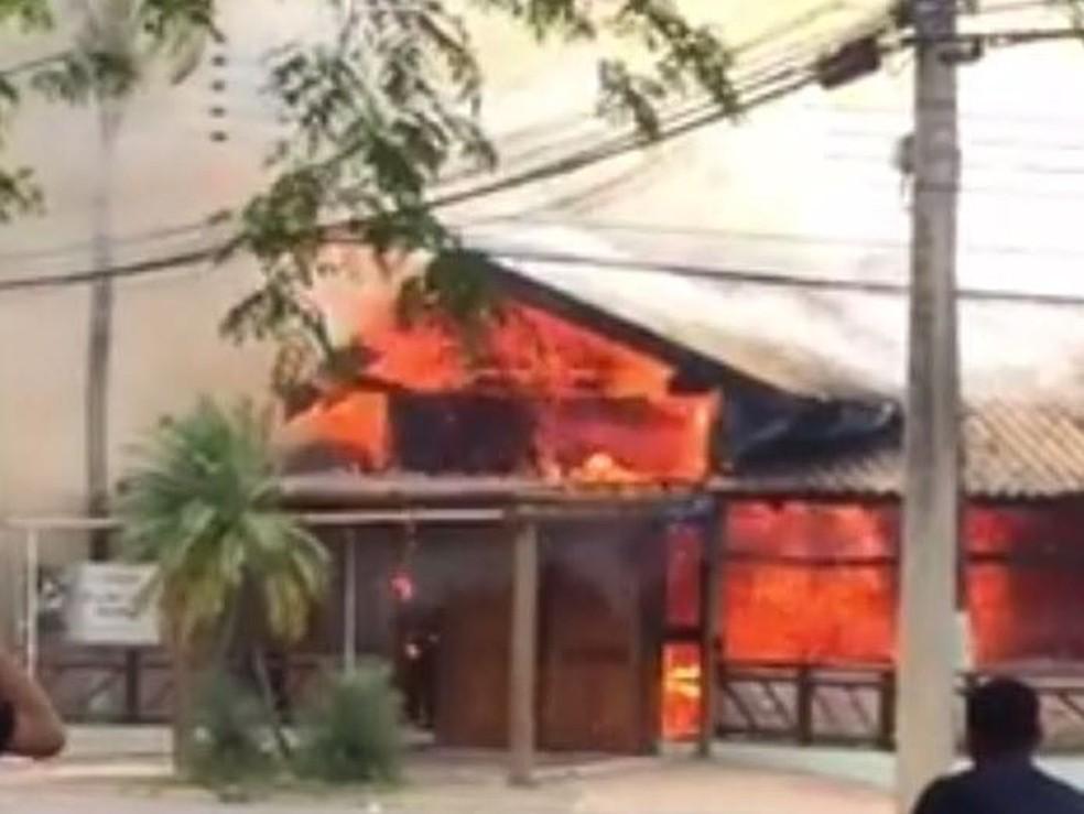 Incêndio no Buffet Pacheco's em Rio Claro (Foto: Vc no G1)