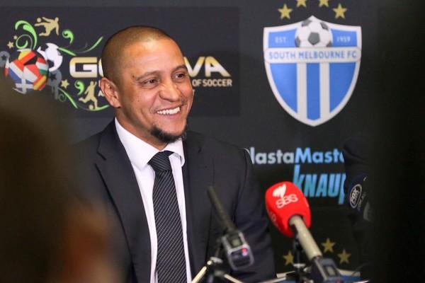 Ligação de Roberto Carlos vira combustível para Guilherme Arana no Corinthians