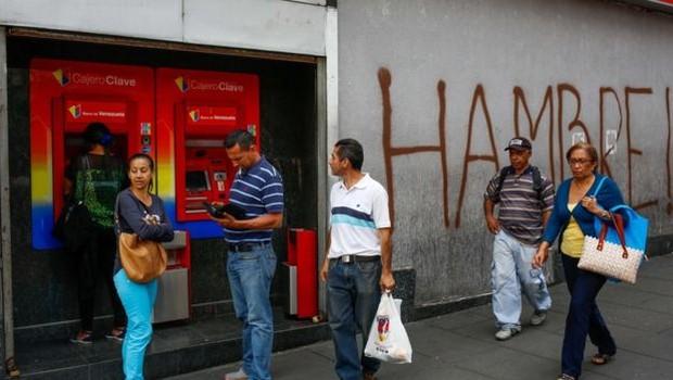 FMI estima inflação de 1.000.000% para a Venezuela neste ano (Foto: EPA via BBC)