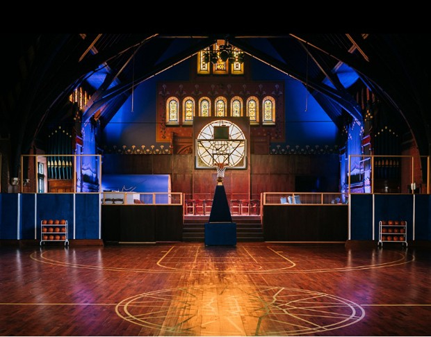 Igreja centenária de Chicago é transformada em espaço esportivo (Foto: Reprodução)
