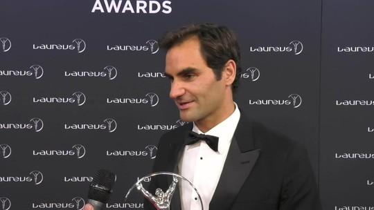 Federer fatura dois prêmios no Laureus, e Chape vence no voto popular