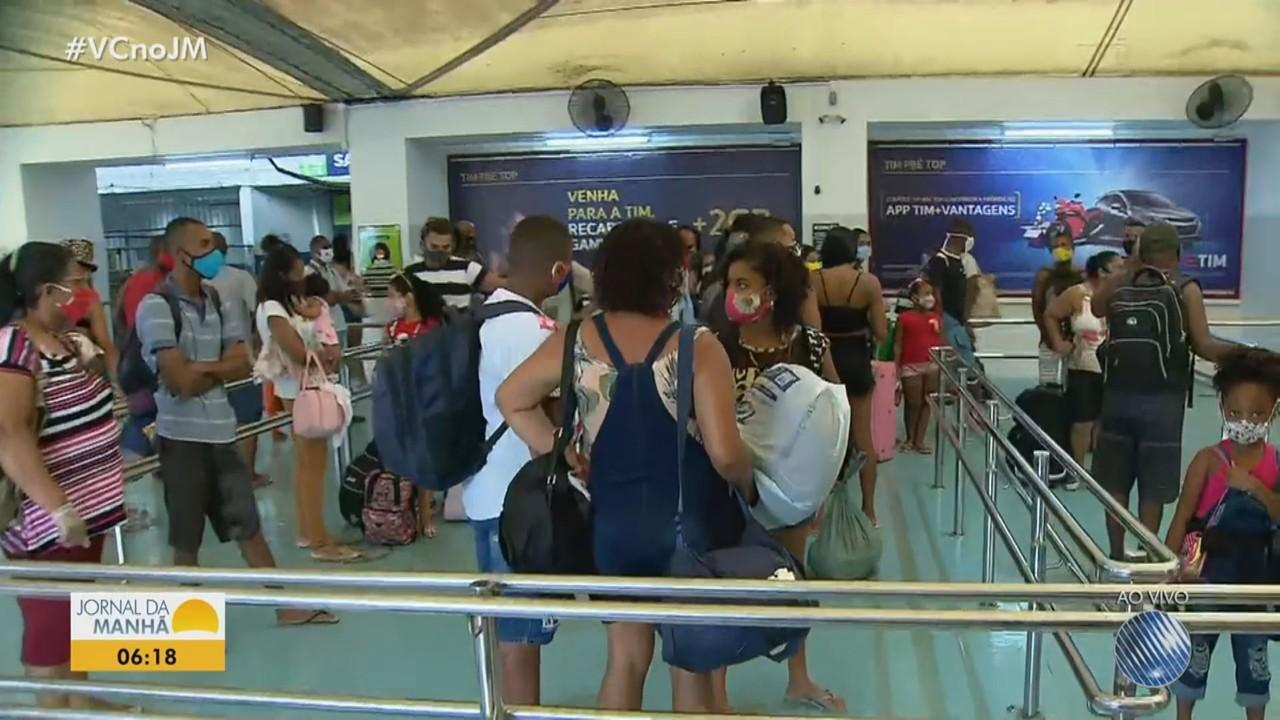Terminal de São Joaquim amanhece com movimento intenso nesta segunda, após o Natal