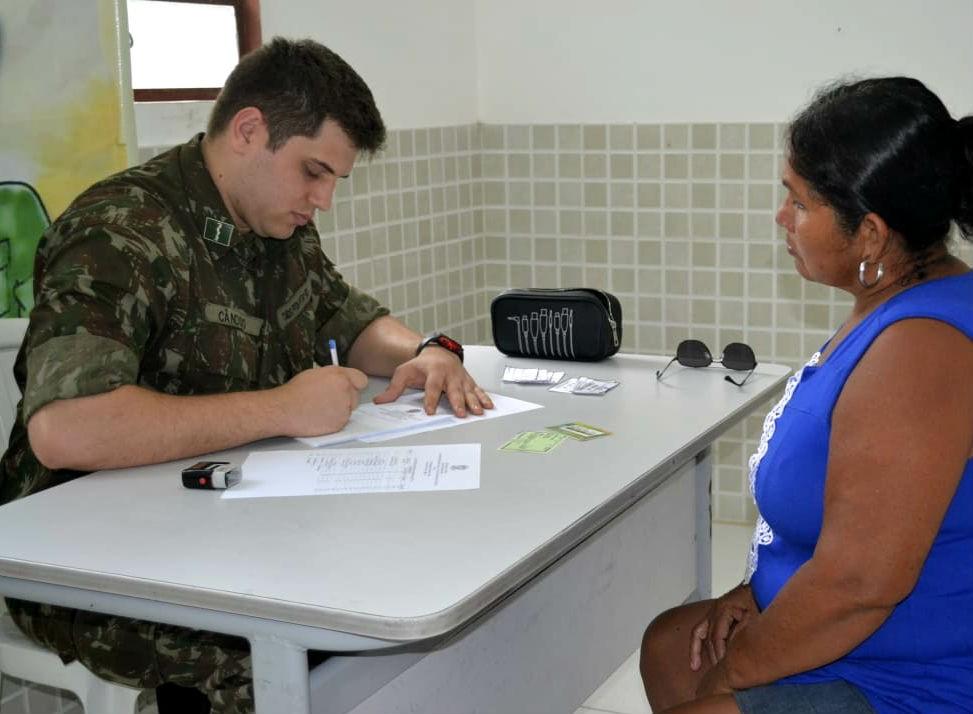 Exército seleciona profissionais da saúde e outras áreas; salários chegam a R$ 6,9 mil