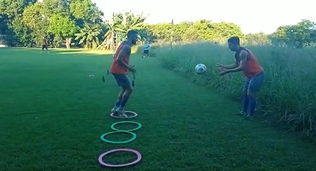 Kaká, treino, 4 de Julho — Foto: Divulgação/4 de Julho
