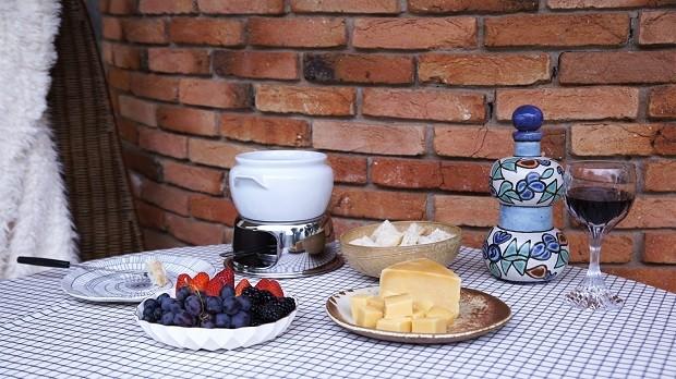 Mesa de fondue: como montar e arrasar na decoração (Foto: Casa Vogue)