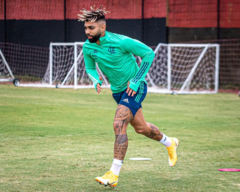 Gabigol treina separado do elenco do Flamengo na véspera do clássico contra o Botafogo