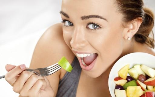 Sem inchaço! Veja 6 alimentos saudáveis que você deve evitar antes de um evento importante