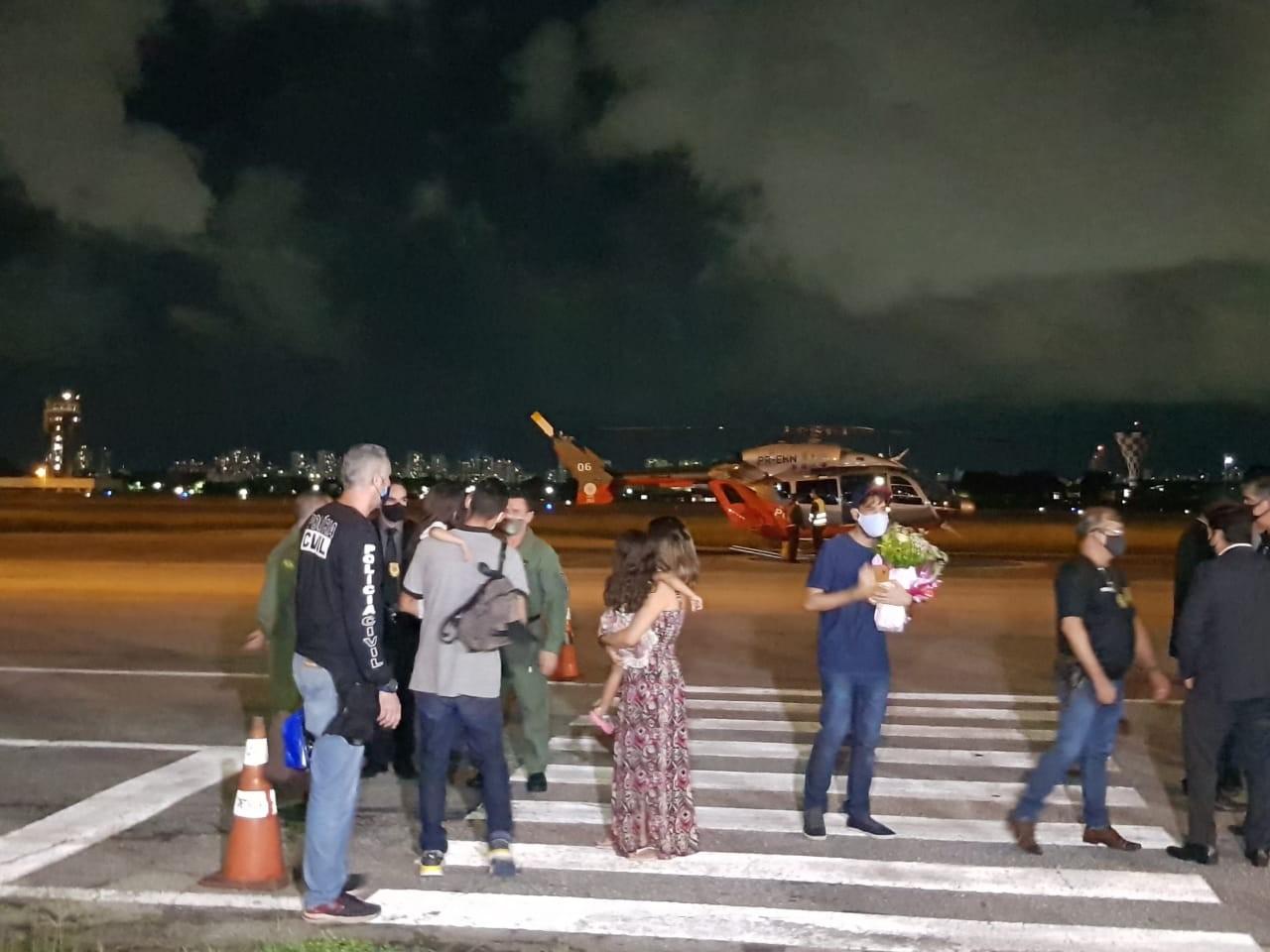 Meninas levadas escondidas por pai em Jijoca de Jericoacoara reencontram a mãe, em Fortaleza