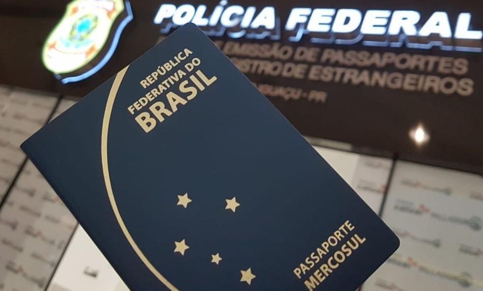 Resultado de imagem para policia federal passaporte