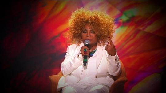 Elza Soares solta a voz e fala sobre CD e musical