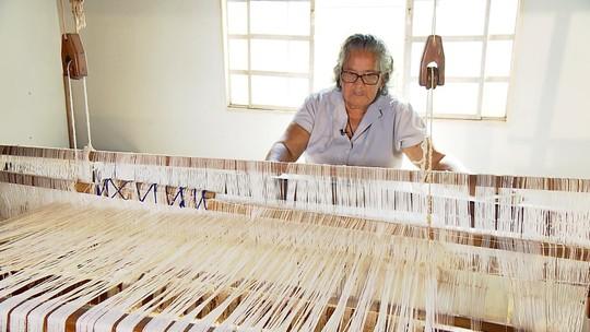 Projeto de tecelagem envolve várias comunidades do Noroeste de Minas Gerais