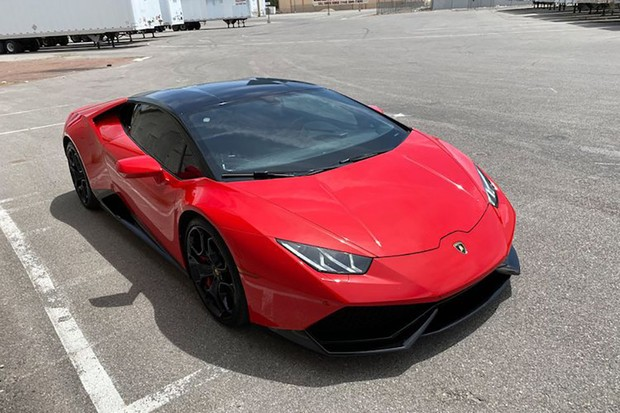 Quase 1900 usuários já alugaram essa Lamborghini para dar uma volta por 24h (Foto: Divulgação)