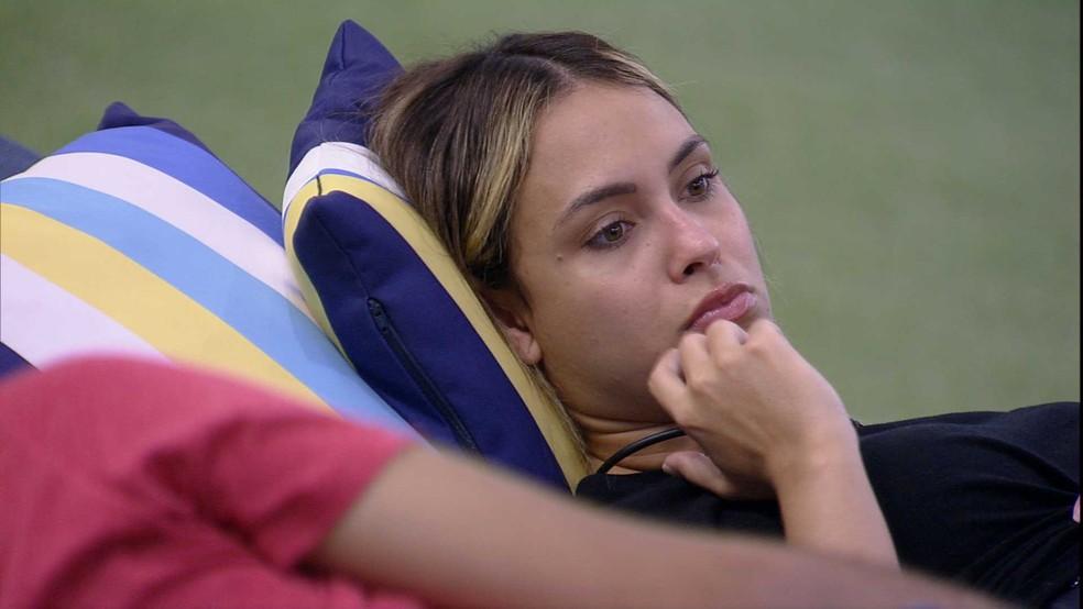 BBB21: Sarah e Gil conversam sobre o jogo  — Foto: Globo