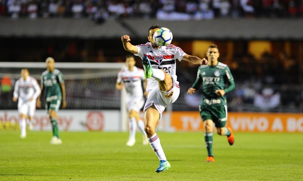 Nenê foi sacado no intervalo do jogo contra o Palmeiras — Foto: Marcos Ribolli