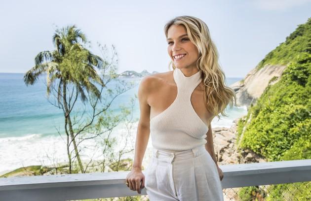 A atriz de 25 anos mora na frente da praia da Joatinga, no Joá, na Zona Oeste do Rio (Foto: João Miguel Junior/Globo)