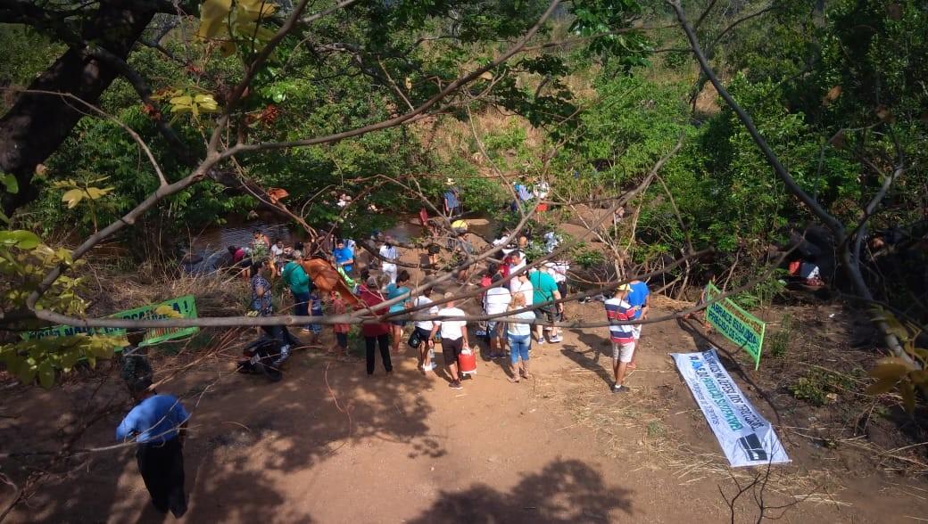 Voluntários fazem ato no entorno de rios que abastecem Palmas e pedem proteção às nascentes - Notícias - Plantão Diário