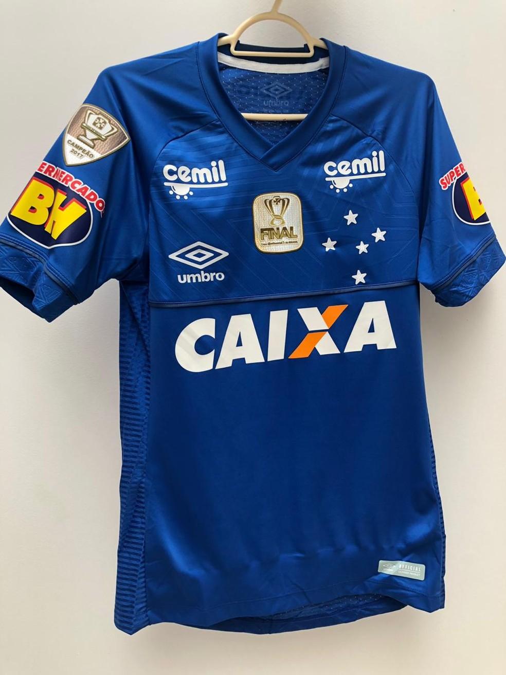 Camisa do Cruzeiro para a final da Copa do Brasil — Foto: GloboEsporte.com