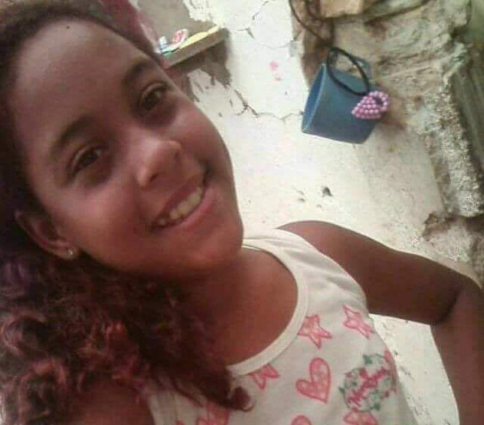 Yasmin Lorena de Araújo tem 12 e está desaparecida desde a quarta-feira (28), em Natal (Foto: Arquivo da Família/cedida)