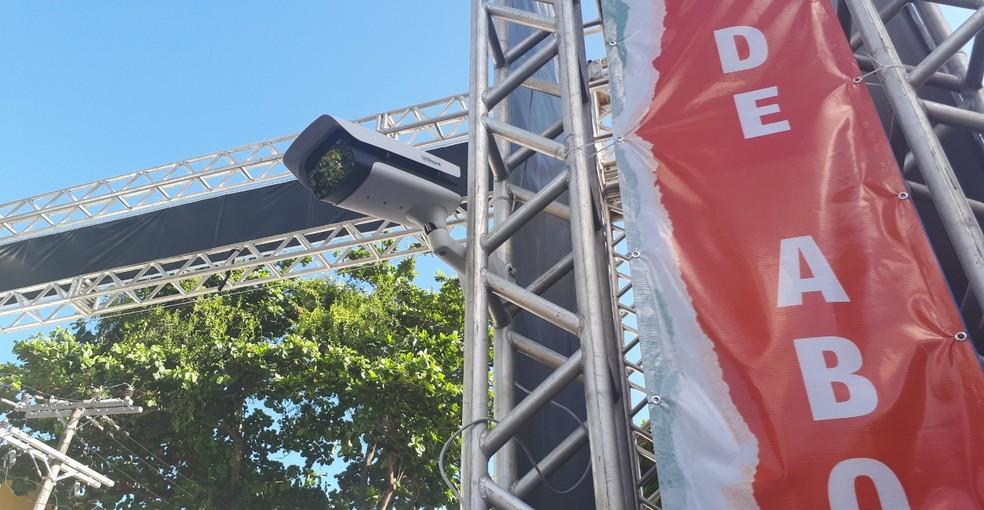 Suspeito foi flagrado por câmera instalada em portal de segurança do carnaval de Salvador — Foto: Divulgação/SSP-BA