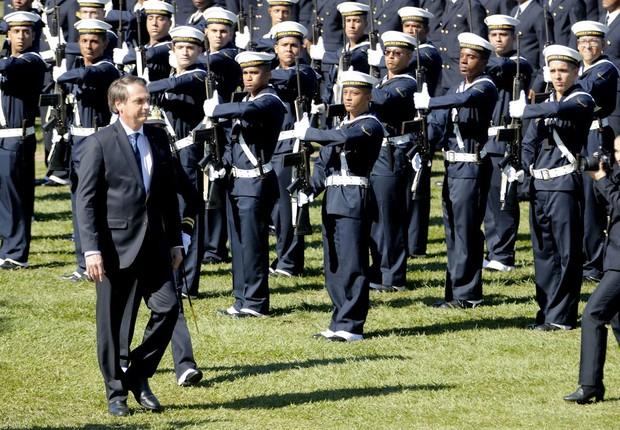 Jair Bolsonaro, presidente do Brasil, na formatura de sargentos da Marinha no Rio (Foto: Tânia Rêgo/Agência Brasil)