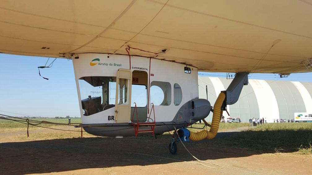 ADB 3-X01 é o primeiro dirigível tripulado produzido na América Latina (Foto: Ana Marin/G1)