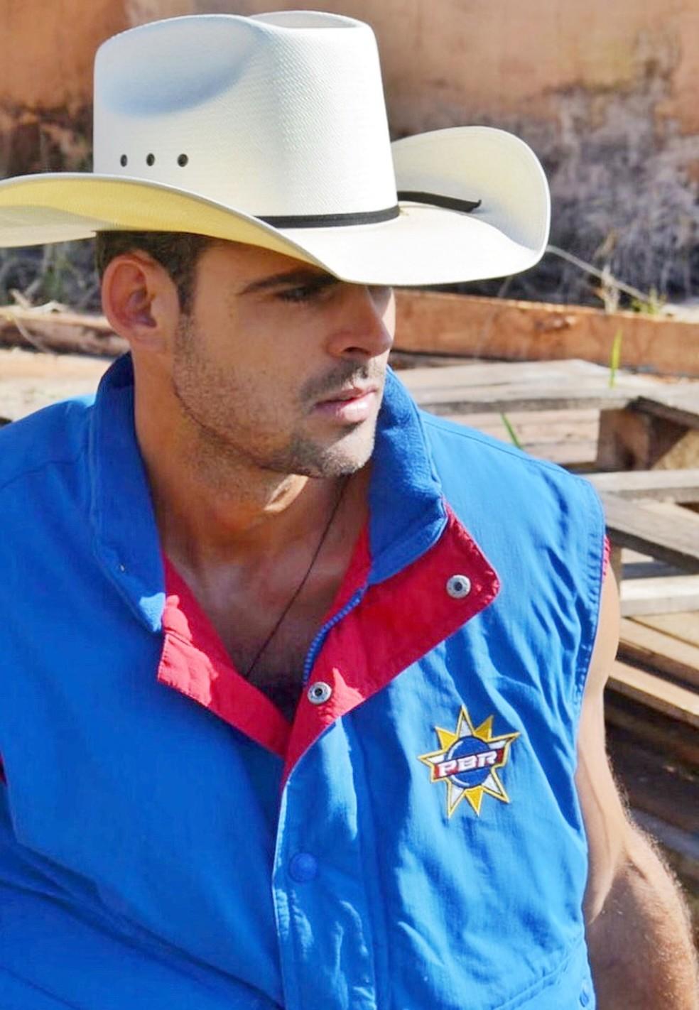 Peão morreu em sua propriedade rural após sofrer acidente de cavalo, em Camapuã (MS). (Foto: Felipe Turioni/G1)