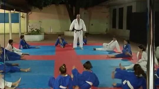 """""""Bom Exemplo"""" mostra como as artes marciais ajudam na disciplina e respeito"""