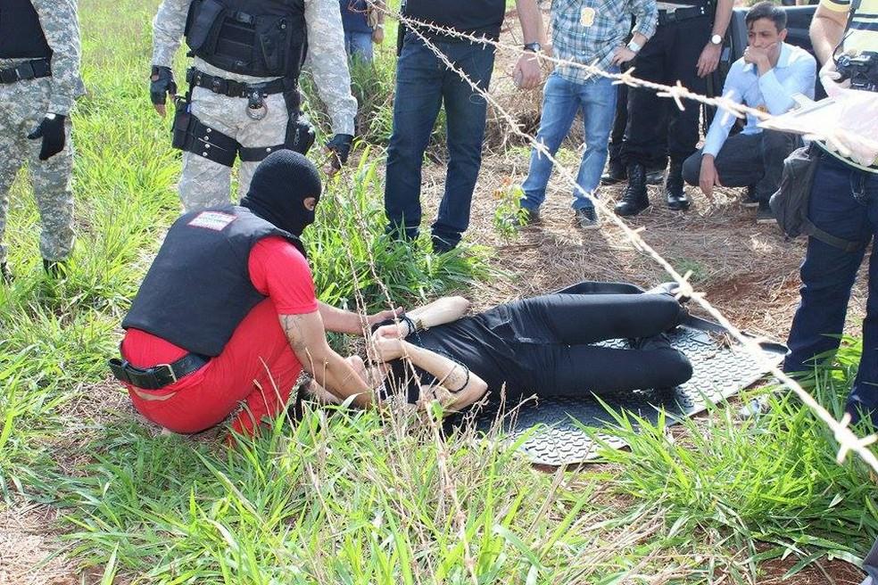 Reconstituição realizada em Frutal da morte de Kelly Cadamuro após carona marcada por WhatsApp (Foto: Fernanda Montalvão/ Rádio 97 Fm)