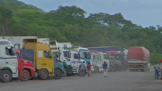 Mesmo com reabertura da fronteira entre Brasil e Bolívia, caminhoneiros não seguem viagem