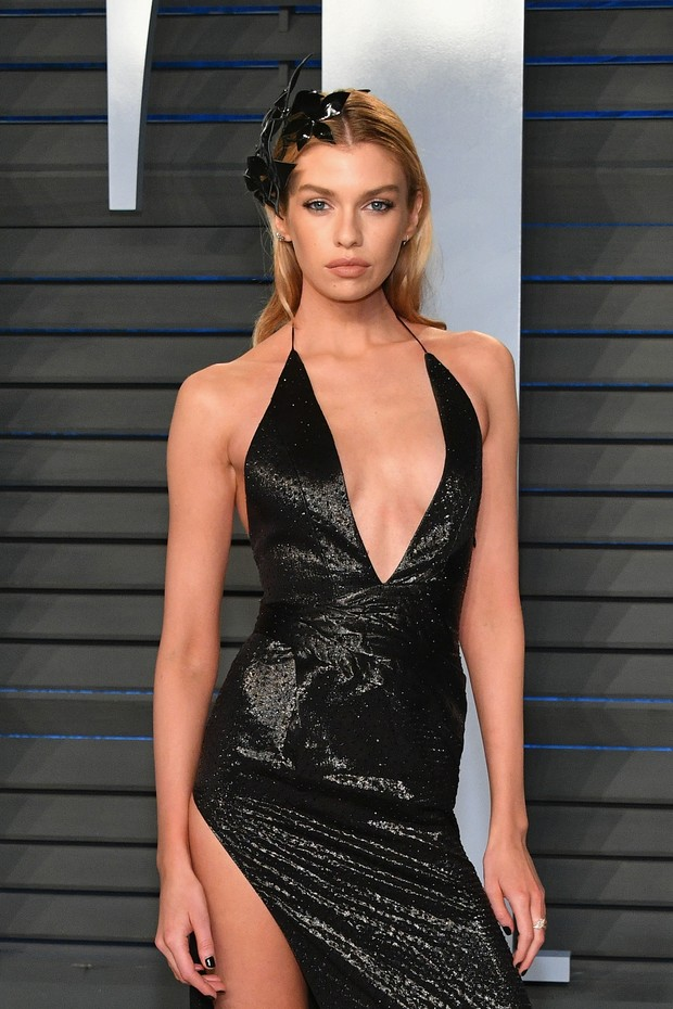 BEVERLY HILLS, CA - MARCH 04:  Stella Maxwell attends the 2018 Vanity Fair Oscar Party hosted by Radhika Jones at Wallis Annenberg Center for the Performing Arts on March 4, 2018 in Beverly Hills, California.  (Photo by Dia Dipasupil/Getty Images) (Foto: Getty Images)
