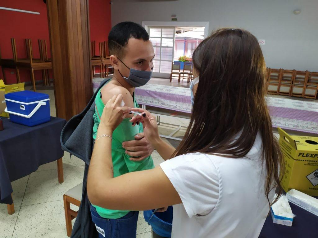 Sorocaba aplica a 2ª dose da AstraZeneca em pessoas que receberam a primeira até 5 de agosto