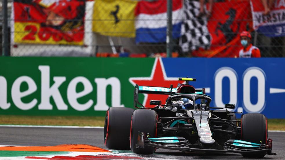 Valtteri Bottas largará na frente na corrida classificatória do GP da Itália — Foto: Dan Istitene - Formula 1/Formula 1 via Getty Images