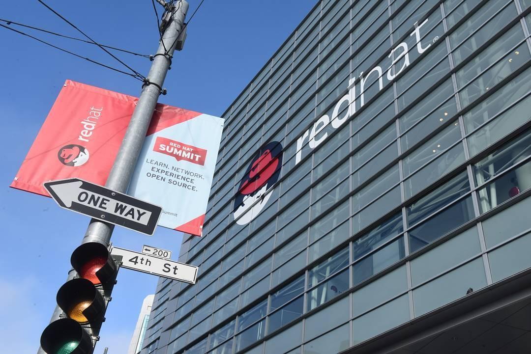 A Red Hat, adquirida recentemente pela IBM, foi a primeira empresa de código aberto a alcançar valor de US$ 1 bilhão (Foto: Reprodução/Instagram)
