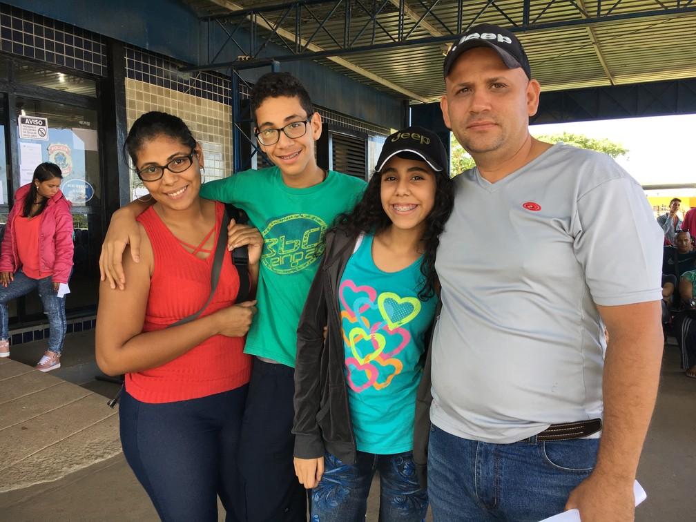 A família Rodriguez resolveu mudar para Roraima após a instituição da Assembleia Constituinte pelo presidente venezuelano Nicolás Maduro (Foto: Emily Costa/G1 RR)