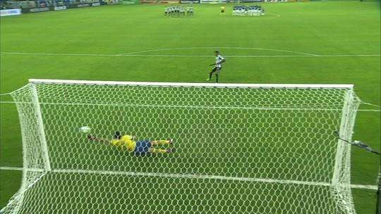 Fábio brilha nos pênaltis, e Cruzeiro elimina o Santos; assista