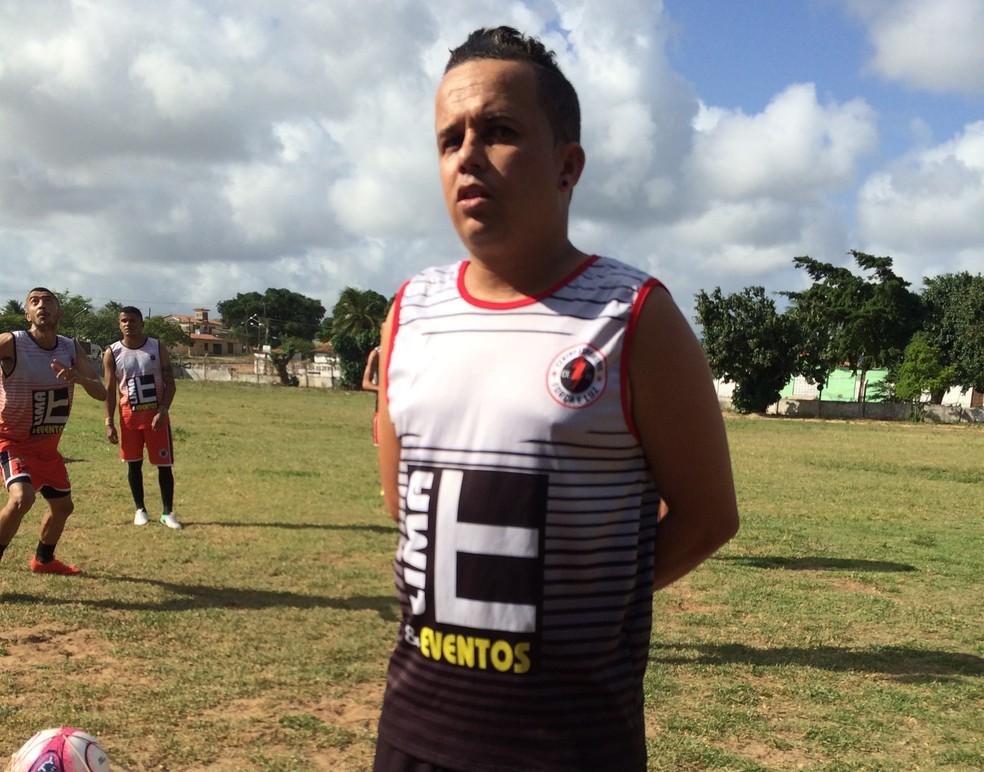Jogador já foi acusado de estar acima do peso (Foto: Leonardo Erys/GloboEsporte.com)